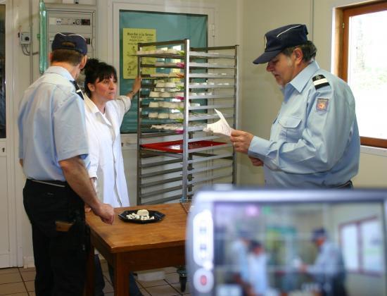 Gendarmes en visite aux Murènes